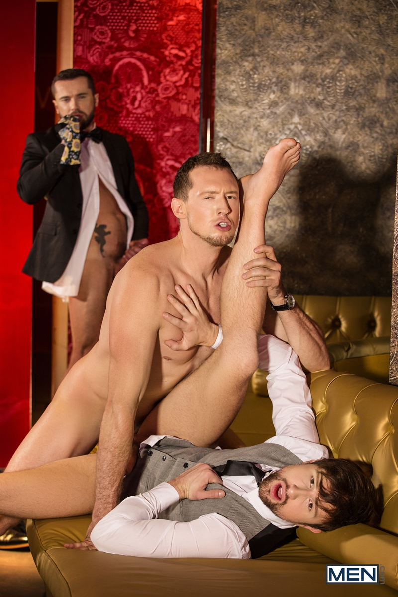 Pierce-Paris-fucks-Drew-Dixon-mouth-hot-waiter-rides-Tyler-Berg-big-dick-threesome-Men-014-porno-pics-gay
