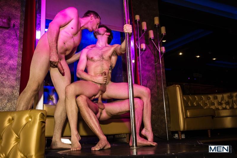 Pierce-Paris-fucks-Drew-Dixon-mouth-hot-waiter-rides-Tyler-Berg-big-dick-threesome-Men-016-porno-pics-gay
