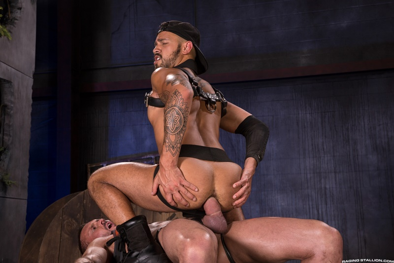 ragingstallion-sexy-big-muscled-dudes-myles-landon-talon-reed-leather-harness-hard-cock-deeper-ass-fuck-bdsm-men-kissing-rimming-anal-015-gay-porn-sex-gallery-pics-video-photo