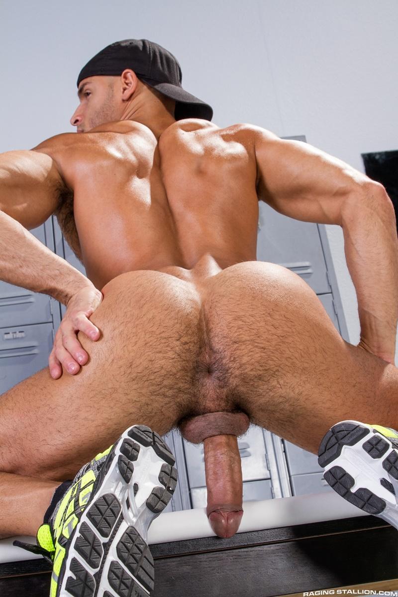... deep-throat-swollen-big-thick-long-cock-anal-rim-002-gay-porn-sex: mygaypornstarlist.com/sean-zevran