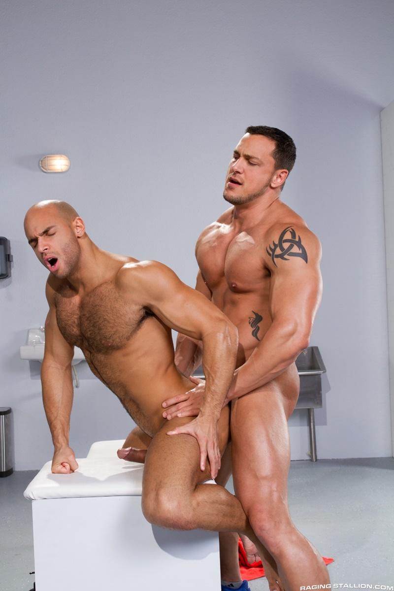 Gay muscle hunks fucking