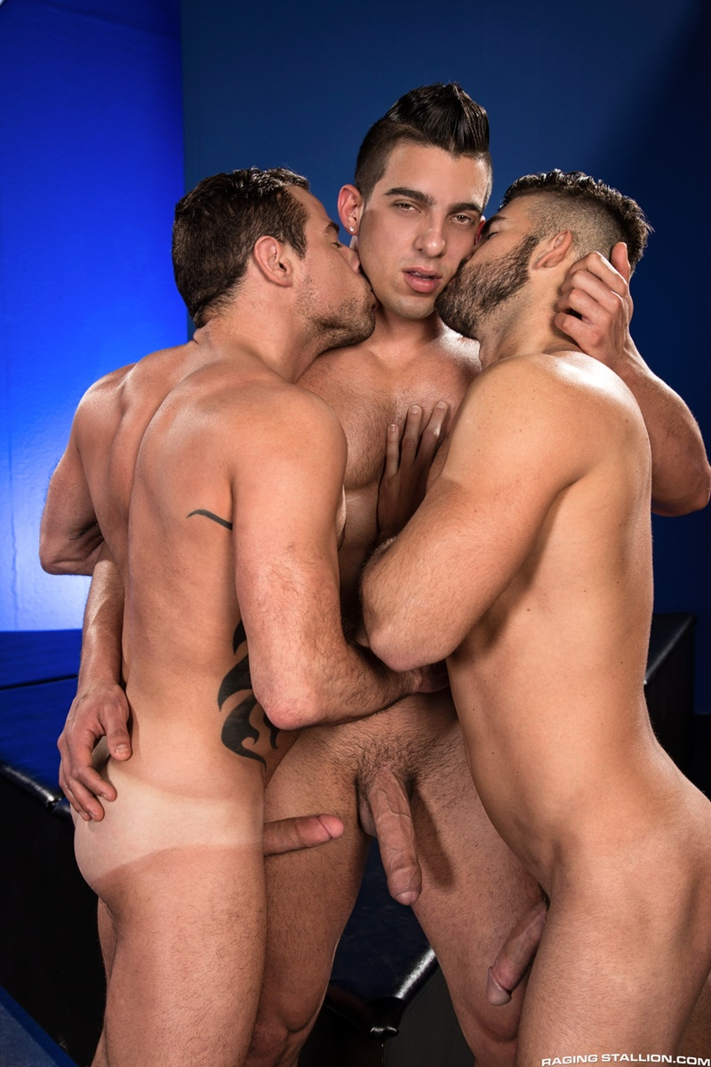 ragingstallion-sexy-naked-muscle-men-threesome-jacob-taylor-derek-deluca-jonah-fontana-hardcore-ass-fucking-big-thick-large-cocks-009-gay-porn-sex-gallery-pics-video-photo