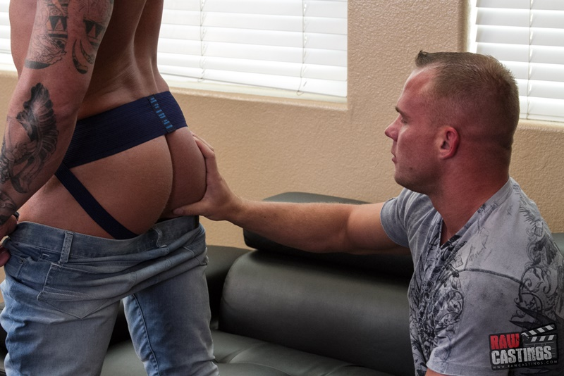 rawcastings-raw-castings-421-michael-roman-sexy-naked-ripped-muscle-dude-tattoo-tight-sexy-underwear-big-thick-cock-raw-anal-fucking-004-gay-porn-sex-gallery-pics-video-photo