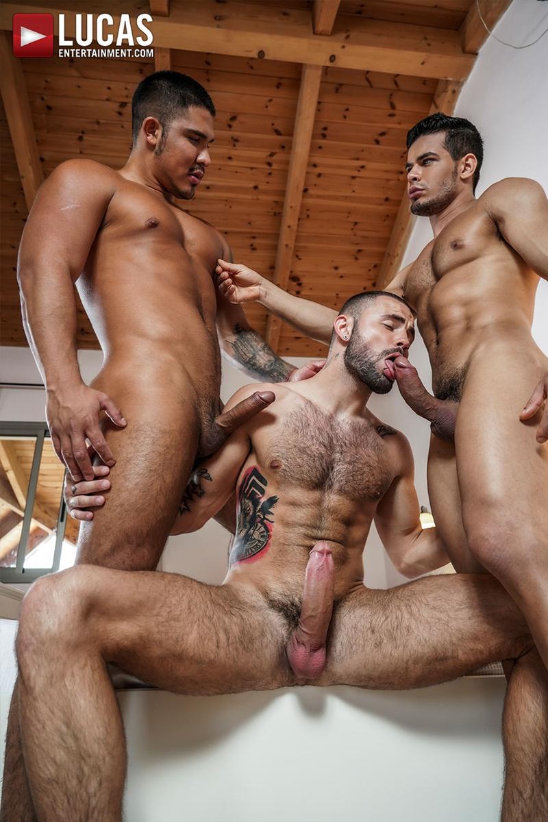 Rico-Marlon-bareback-fucks-Jeffrey-Lloyd-Apolo-Fire-hot-raw-holes-012-gay-porn-pics