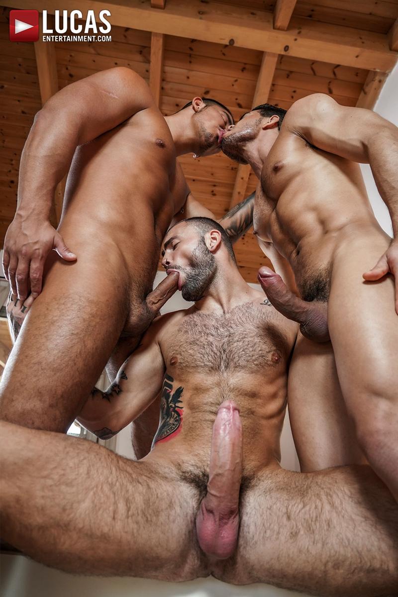 Rico-Marlon-bareback-fucks-Jeffrey-Lloyd-Apolo-Fire-hot-raw-holes-013-gay-porn-pics