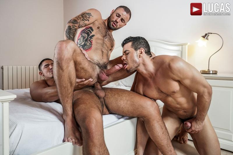 Rico-Marlon-bareback-fucks-Jeffrey-Lloyd-Apolo-Fire-hot-raw-holes-016-gay-porn-pics