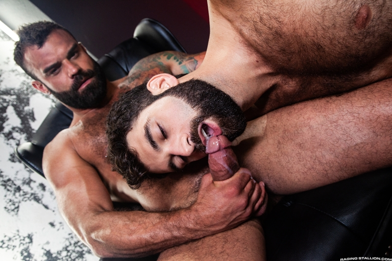 ripped-stud-drake-masters-tegan-zayne-big-dick-dude-smooth-muscled-ass-ragingstallion-015-gay-porn-pictures-gallery