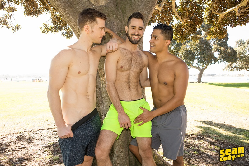 seancody-gay-porn-anal-bareback-threesome-big-uncut-dick-sex-pics-hector-asher-deacon-blow-job-cum-swallowing-toys-002-gallery-video-photo