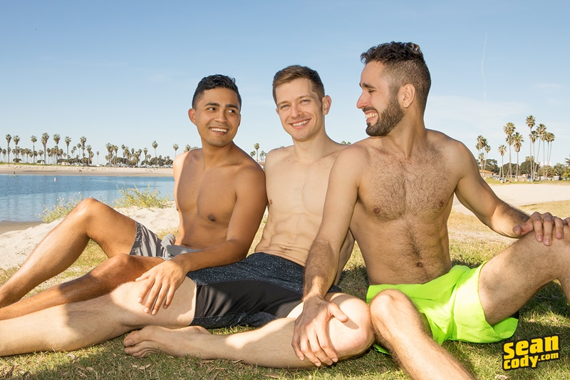 seancody-gay-porn-anal-bareback-threesome-big-uncut-dick-sex-pics-hector-asher-deacon-blow-job-cum-swallowing-toys-003-gallery-video-photo