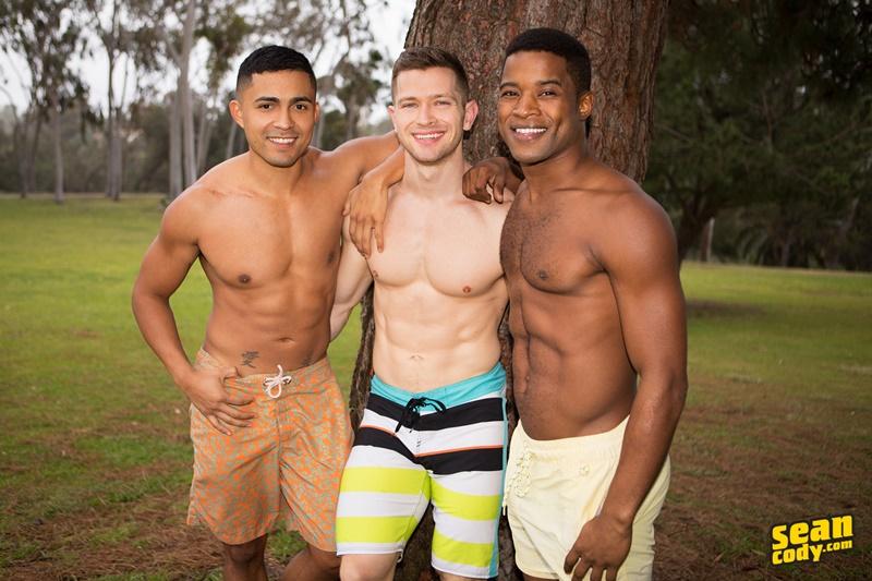 seancody-hot-naked-muscle-boys-landon-deacon-asher-bareback-ass-fucking-threesome-big-large-massive-huge-cock-sucker-anal-rimjob-004-gay-porn-sex-gallery-pics-video-photo