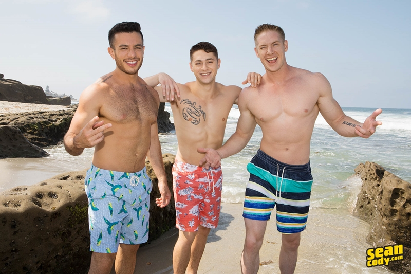 seancody-jax-manny-lane-bareback-ass-fucking-threesome-big-thick-muscle-dicks-sucking-006-gay-porn-pictures-gallery