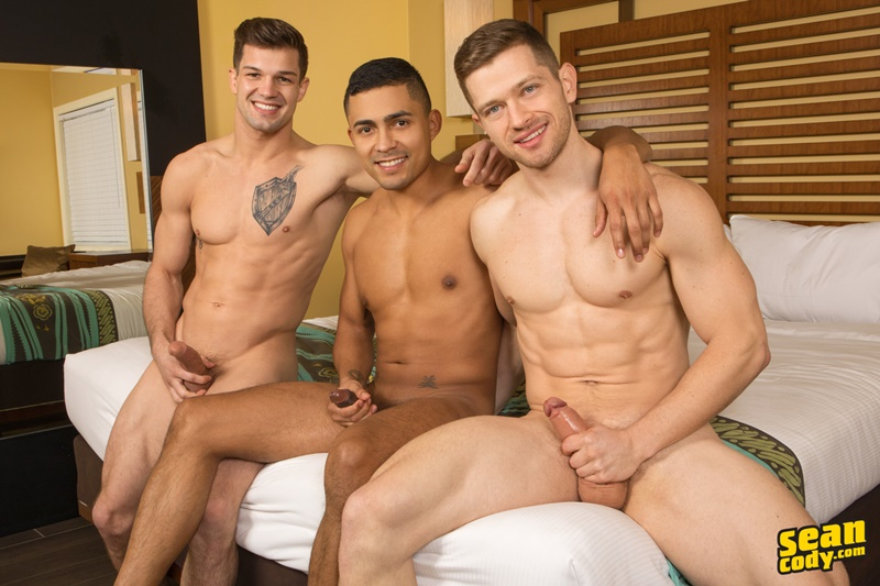 seancody-sexy-young-muscle-naked-real-couple-sean-cody-brysen-deacon-asher-hardcore-bareback-ass-fucking-threesome-raw-bare-big-dicks-013-gay-porn-sex-gallery-pics-video-photo