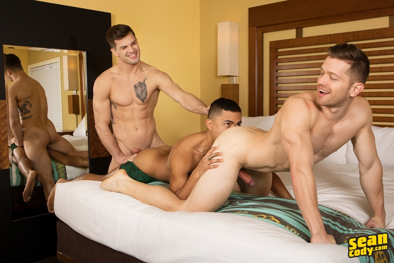 seancody-sexy-young-muscle-naked-real-couple-sean-cody-brysen-deacon-asher-hardcore-bareback-ass-fucking-threesome-raw-bare-big-dicks-015-gay-porn-sex-gallery-pics-video-photo