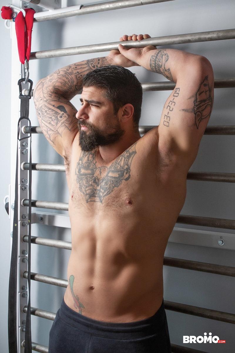 Tattooed-muscle-hunk-Ryan-Bones-breeds-younger-stud-Drew-Dixon-hot-bare-asshole-Bromo-012-porno-pics-gay