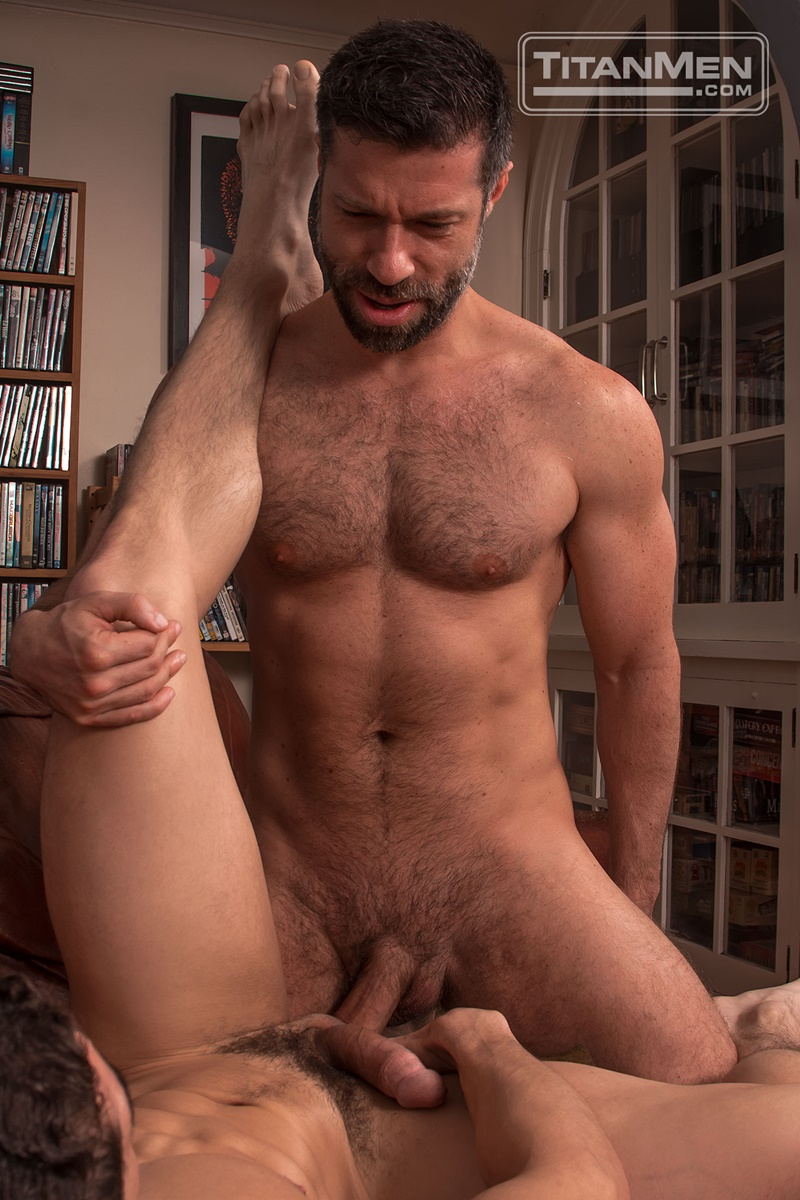 titanmen-gay-porn-nude-muscled-dudes-sex-pics-jeremy-spreadums-sucks-muscle-stud-tristan-jaxx-big-uncut-cock-foreskin-020-gay-porn-sex-gallery-pics-video-photo