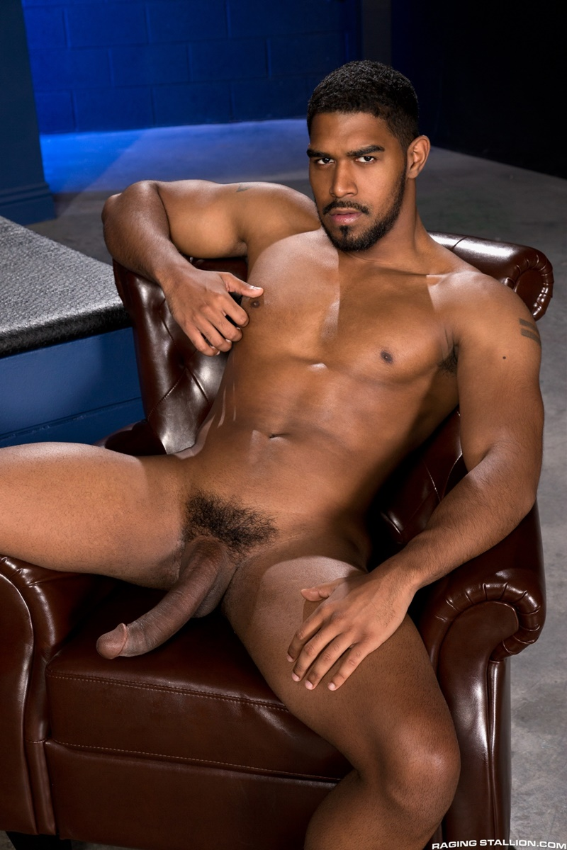 Gay hung muscle