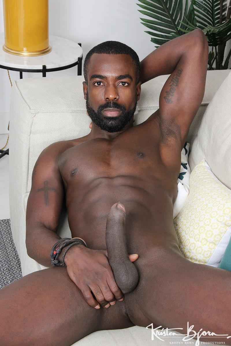 from Davian gay nude clips